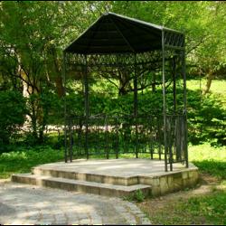 """Nowa altana w Parku Książąt Pomorskich """"A"""""""