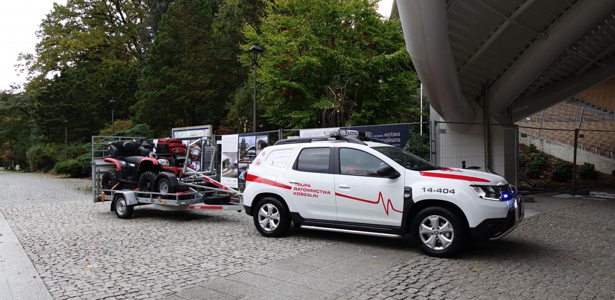przekazanie specjalistycznego pojazdu ratowniczego dla Oddziału Rejonowego Polskiego Czerwonego Krzyża w Koszalinie.