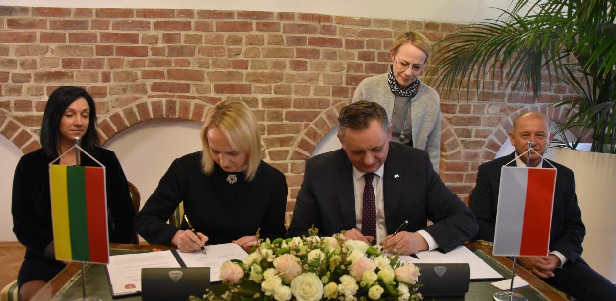 Podpisanie umowy miast partnerskich
