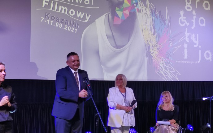 Na zdjęciu Prezydent Koszalina otwiera festiwal