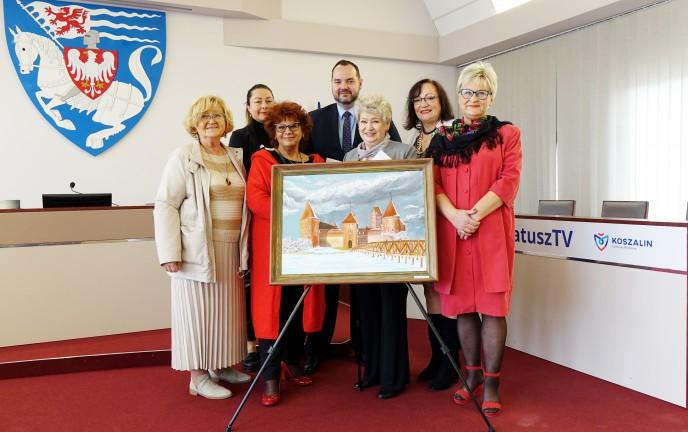 Na zdjęciu znajduje się Zastępca Prezydenta Wojciech Kasprzyk wraz z przedstawicielami Zespołu Pracy Twórczej Plastyki