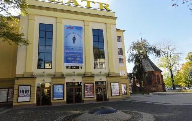 Budynek Bałtyckiego Teatru Dramatycznego wraz ze zmodernizowanym w ramach projektu placem usytuowanym w obrębie budynku teatru