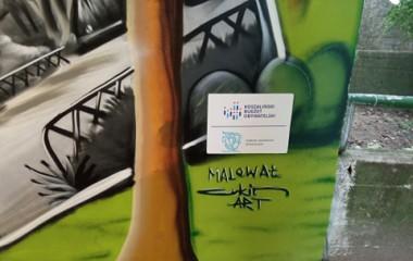 zdjęcie przedstawia autograf autora malowideł