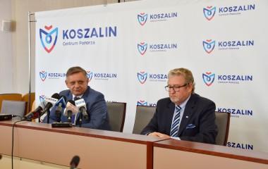 Na zdjęciu znajduje się Prezydent Piotr Jedliński wraz z Zastępcą Prezydenta Przemysławem Krzyżanowskim