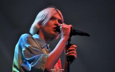 Daria Zawiałow podczas koncertu otwarcia Amfiteatru
